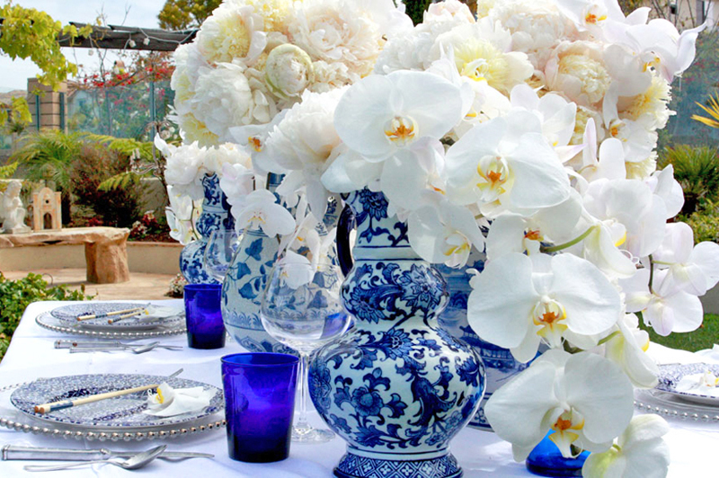 blue-white-chinoise-wedding-table-detail & Setting a blue and white table.... - The Enchanted Home