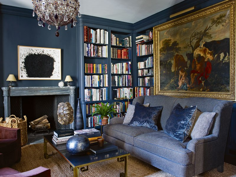 item0.rendition.slideshowWideVertical.aerin-lauder-beauty-at-home-01-new-york-city-home-library