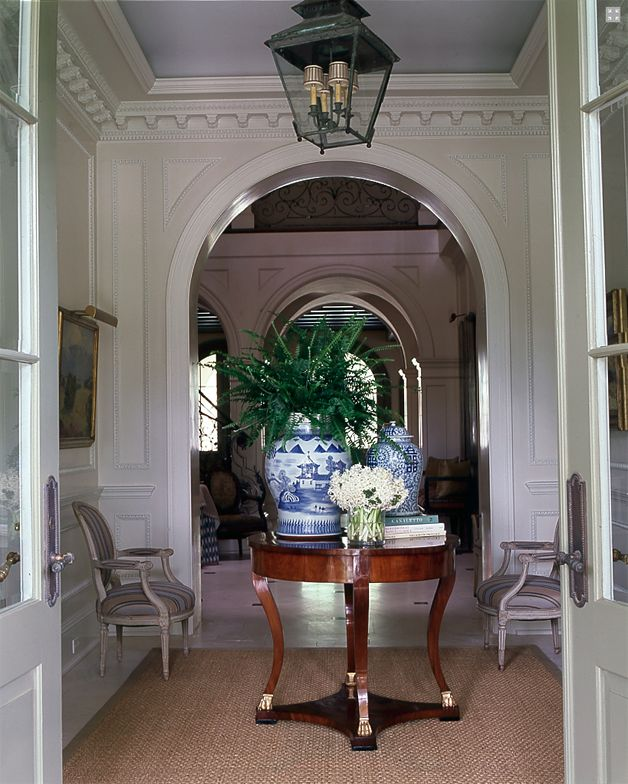 24 reasons why every foyer needs a table the enchanted home 3f43f74e371225326d4bf95a325c2a75 freerunsca Gallery