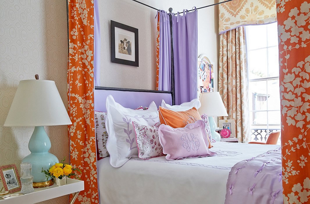 Lysette-Reverse-bed-and-Persepolis-curtains-Gwen-Driscoll