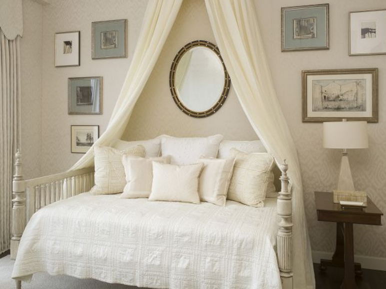 Phoebe-Howard-bedroom-with-canopy