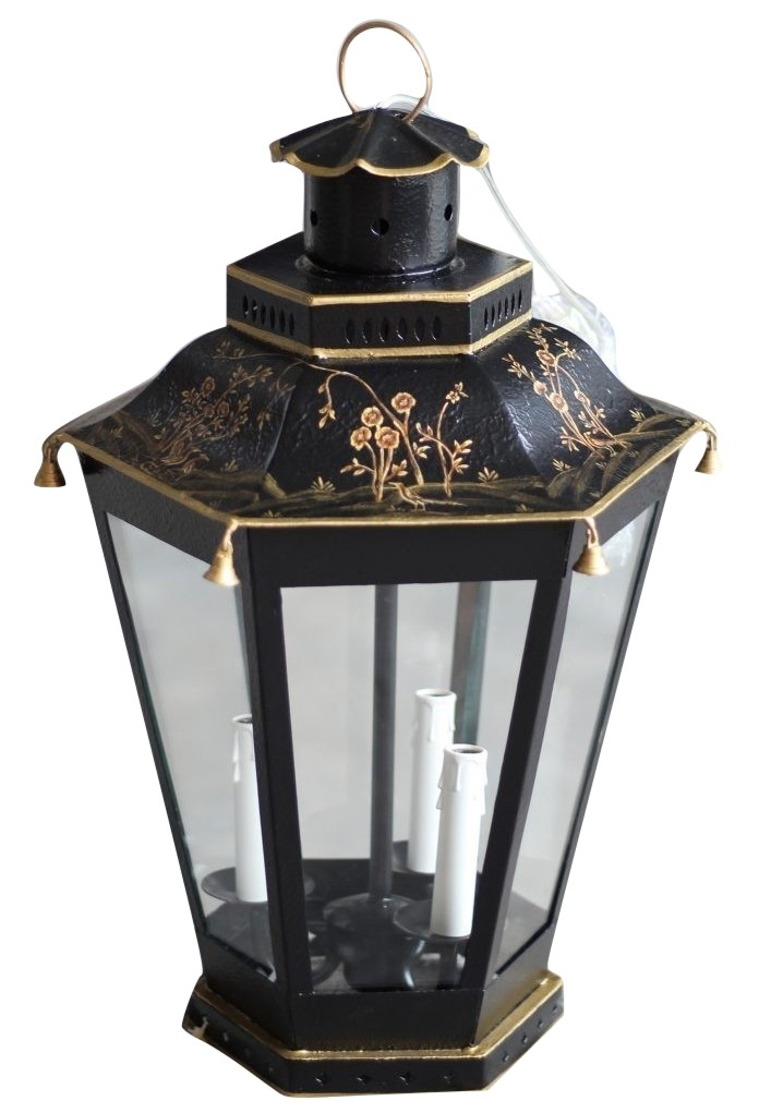 Incredible mid sized black/gold lantern