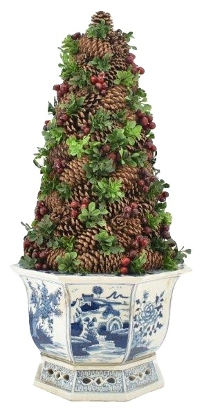 Incredible Pine Cone Topiary