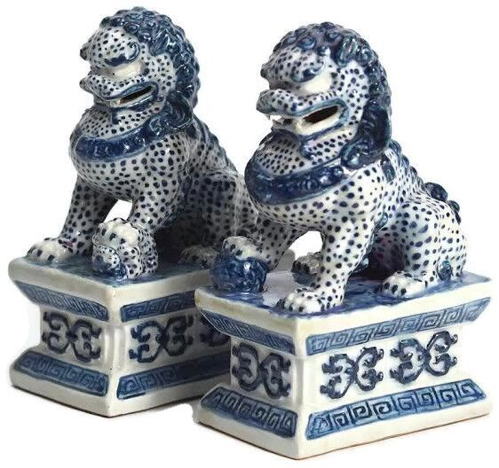 DARLING MINI BLUE AND WHITE FOO DOGS