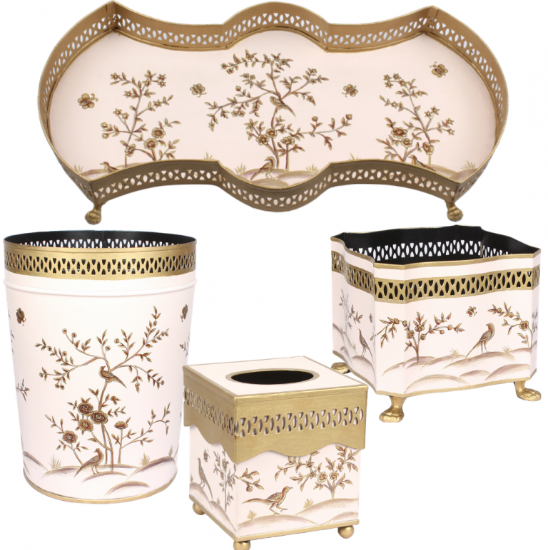 Fabulous four piece chinsoierie set in pale pink/gold